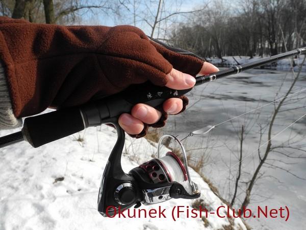 Возможнось удержания спиннинга в перчатках Polartec Windblock