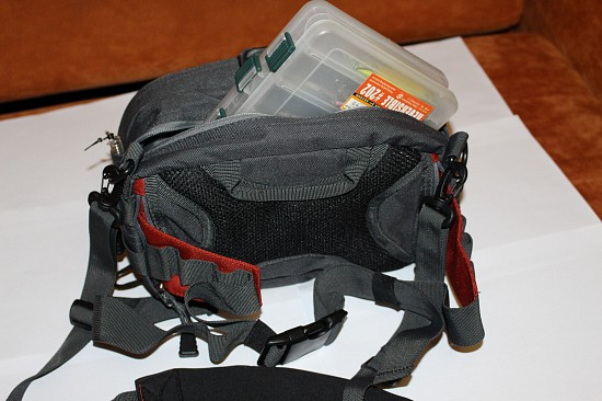сумка поясная спиннинговая flagman f70193